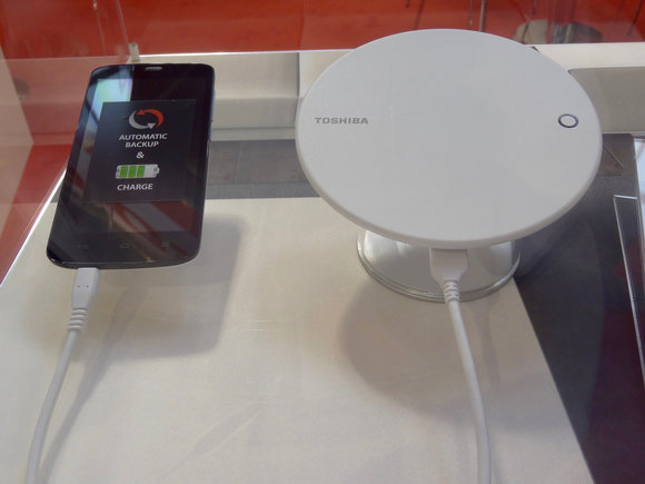 toshiba_smartphone_backup-100680404-large.jpg